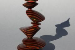 Excentrisches Teil aus durchgefärbten Furnieren - Helmut Geupel