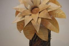 Blume auf Fliederstamm - Thomas Häckel