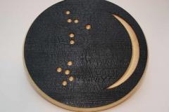 Gebrannte Mondscheibe mit Sternbild Fische - Helmut Geupel