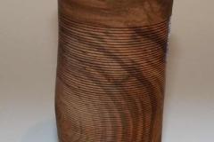 Vase aus Kirsche mit Riefen - Helmut Geupel